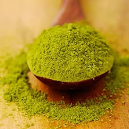 Spoon of Green Tea Extract